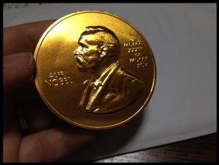ノーベル賞メダルチョコレート